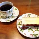 チーズケーキとホットコーヒーのセット