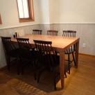 6人掛テーブル。グループでのご利用や、午後の商談などに。