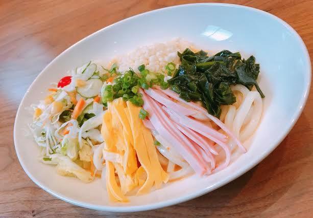 サラダうどん(スープ付)